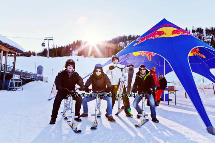 Snowbike Action am Berg