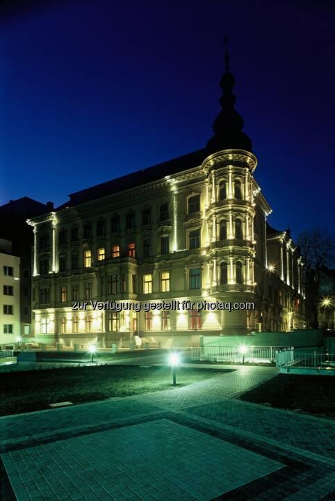 Warimpex Finanz- und Beteiligungs AG gibt den erfolgreichen Verkauf des Prager Fünf-Sterne Hotels Le Palais an einen privaten europäischen Investor bekannt. (Bild: Warimpex)