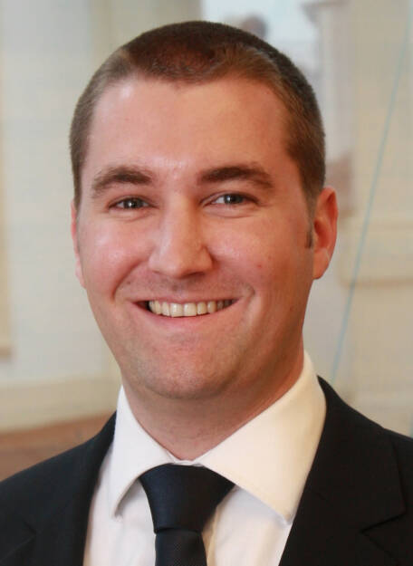 Albert Stöger (35) ist seit Anfang November Head of International Institutional Business Steering der Fondsgesellschaft Erste Asset Management (EAM). In dieser neu geschaffen Position wird Albert Stöger künftig von Wien aus mit seinem Team jene europäischen Märkte betreuen, in denen die EAM noch nicht mit eigenen Vertriebseinheiten vertreten ist. Weiters wird er in dieser Funktion die bereits bestehenden Vertriebsteams auf den einzelnen Märkten von Wien aus koordinieren, um so für die EAM Synergien zu schaffen (c) EAM (11.12.2013)