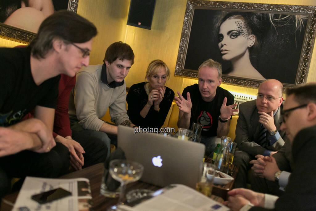 Josef Chladek, Igor Huic (Donau Invest), Chris Mattura (Investment Banking / Venture Capital), Isabella de Krassny (Donau Invest), Christian Drastil, Erwin Hof (Wiener Börse), Stefan Maxian (RCB), © bsn/Martina Draper (12.12.2013)