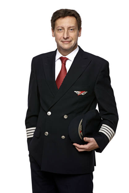 """Gerhard Pitsch (48) ist neuer Chefpilot bei Austrian Airlines. Er wird per 1. Jänner 2014 die Nachfolge von Rolf Brand antreten, der mit Jahreswechsel zur SWISS zurückkehrt. Pitsch übernimmt damit als """"Postholder Flight Operations"""" die Leitung des Flugbetriebs der Tyrolean Airways, in der der gesamte Flugbetrieb der Austrian Airlines gebündelt ist. (13.12.2013)"""