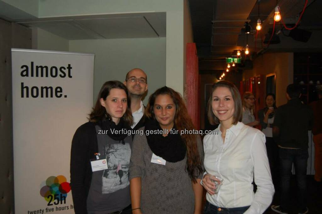 ambuzzador Social Fitness Breakfast:  Mit Stefan Schwaha, Barbara Hosiner, Bine Freeze (15.12.2013)