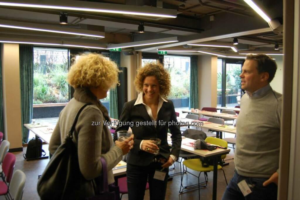 ambuzzador Social Fitness Breakfast: Mit Bernd Hartweger, Barbara Riedl-Wiesinger, Sabine Hoffmann (15.12.2013)