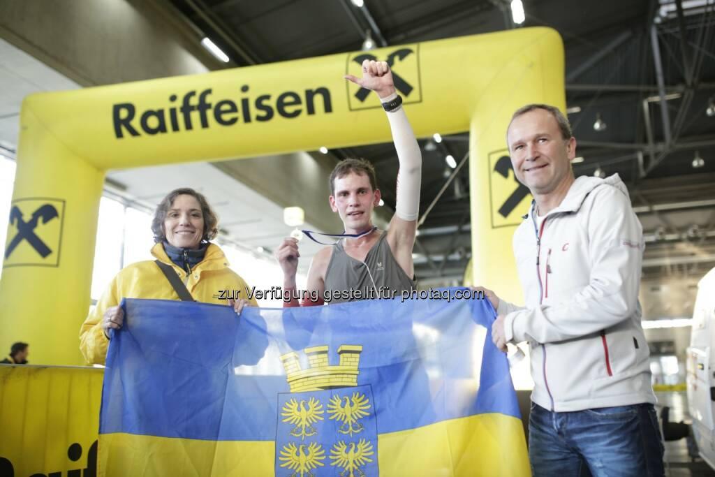 indoor marathon vienna - Sieger Rainer Bredl, Veranstalter Hannes Menitz von der Agentur msm sportmedia, © leisure.at/Stefan Joham (15.12.2013)