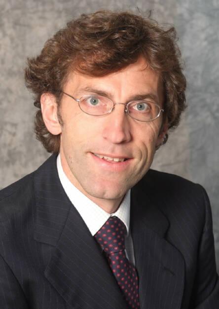 Karl M. Asamer: Der AT&S-Aufsichtsrat hat ihn mit Wirkung zum 1. April 2014 zum neuen Finanzvorstand der AT & S Austria Technologie & Systemtechnik AG bestellt. Damit folgt Karl Asamer dem per 31. März 2013 ausgeschiedenen Finanzvorstand Thomas Obendrauf. (16.12.2013)