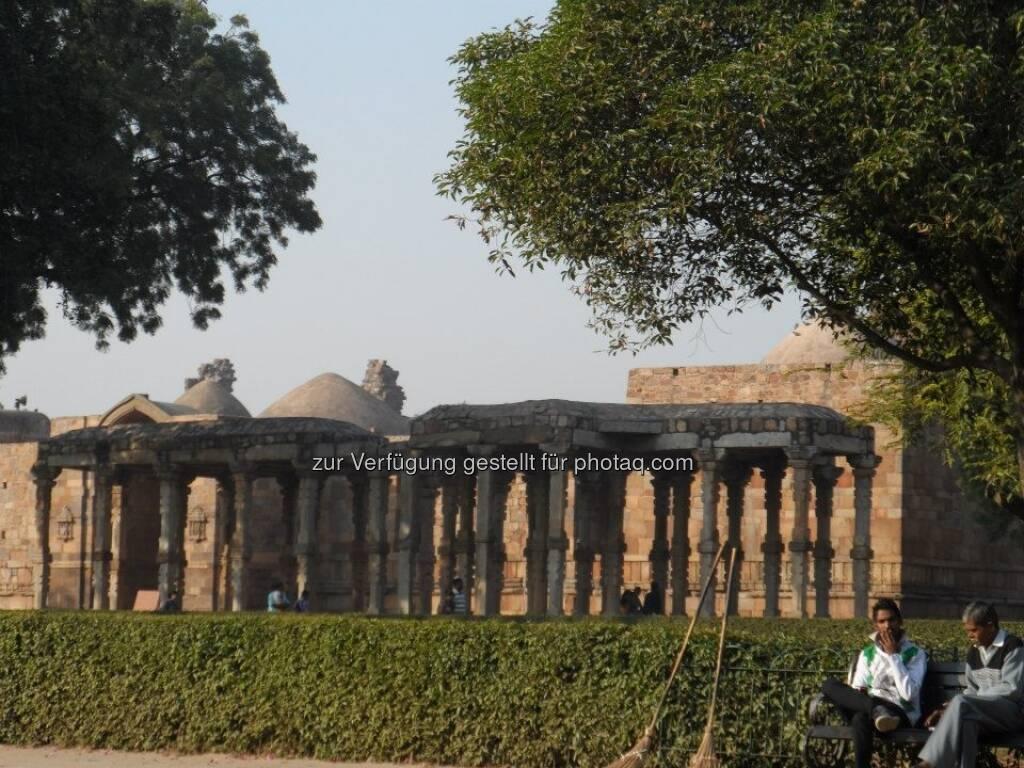 New Delhi: Outb Minar wurde im 13. Jahrhundert errichtet und zeigt erste islamische Einflüsse in Nordindien, © Andreas Wölfl (15.12.2012)