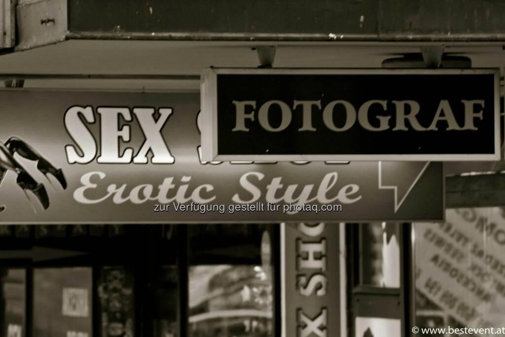 Warschau Sex Erotik, © Herbert Gmoser (25.12.2013)