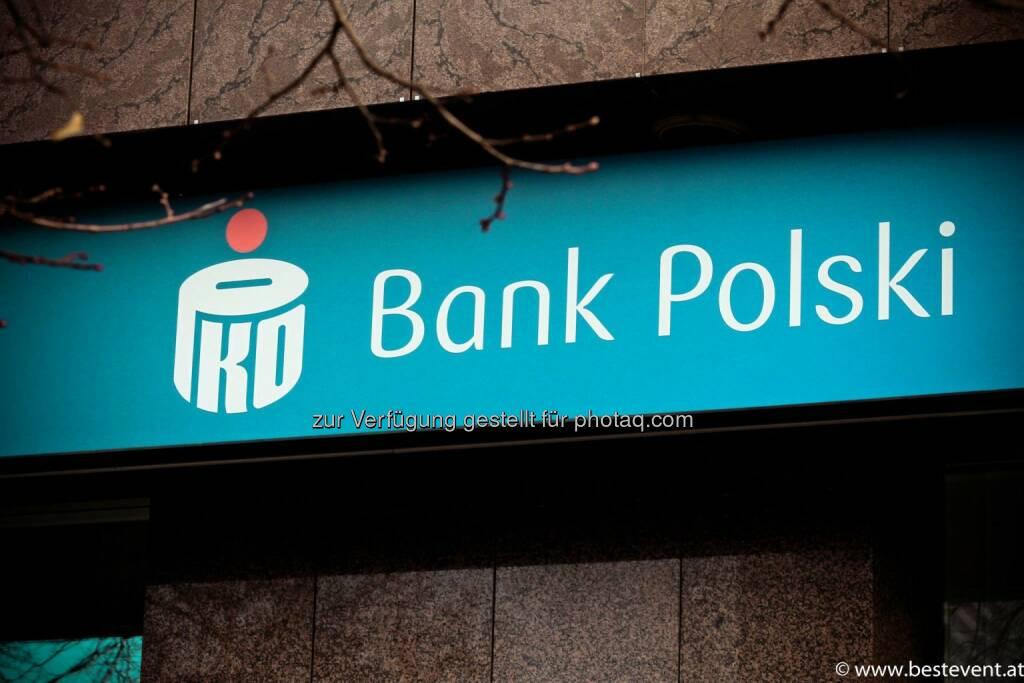 Warschau Bank Polski, © Herbert Gmoser (25.12.2013)