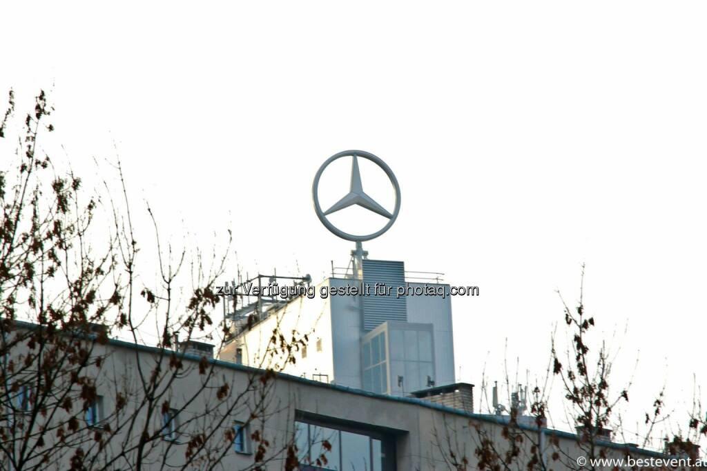 Warschau Mercedes, © Herbert Gmoser (25.12.2013)