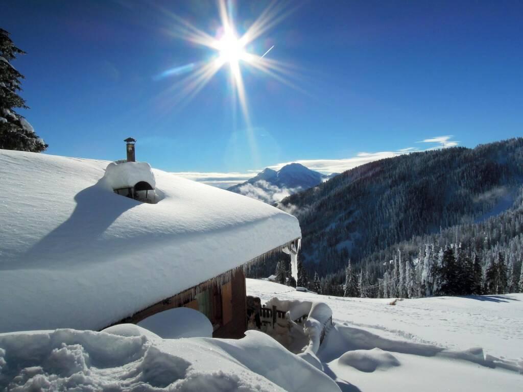 Berghütte, Schnee, Sonne, Vigljoch, Südtirol, © Peter Sitte (27.12.2013)