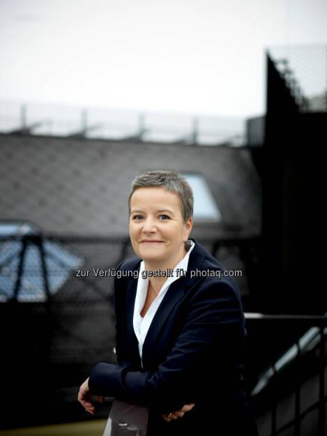 Angelika Sommer-Hemetsberger neu im Vorstand der OeKB: Seit 1. Jänner 2014 hat die Oesterreichische Kontrollbank AG (OeKB) mit Angelika Sommer-Hemetsberger ein neues Vorstandsmitglied. Sie folgt Johannes Attems, der nach 25 Jahren im Vorstand mit Jahresende in den Ruhestand trat. (Bild: OeKB/Ingo Pertramer) (02.01.2014)
