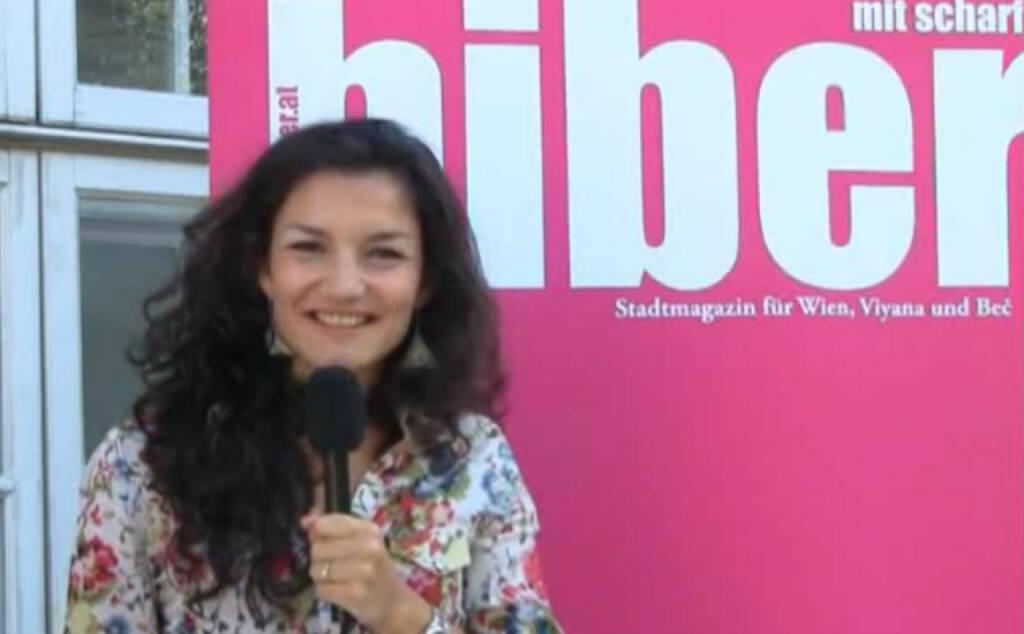 Ivana Cucujkic, Stellv. Chefredakteurin Als stellvertretende Chefredakteurin eines jungen Stadtmagazins hat Ivana Cucujkic vor Redaktionsschluss immer besonders viel zu tun. Warum der Werdegang eines/r Journalisten/in ihrer Meinung nach ein Wink des Himmels ist, erfährst du hier. Das Video (3:29min.) dazu unter: http://www.whatchado.net/videos/ivana_cucujkic, © whatchado (05.01.2014)
