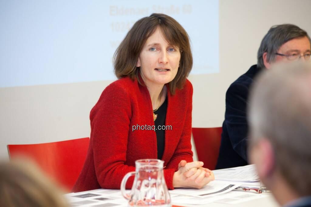 Karin Küblböck (Attac), © finanzmarktfoto.at/Michaela Mejta (08.01.2014)