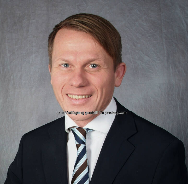 Christian Humlach, der seit über 20 Jahren in der Finanzbrache aktiv ist, kommt von der österreichischen Convertinvest, wo er als Produktspezialist im institutionellen Vertrieb tätig war. Bei Legg Mason ist der Finanzexperte nun für ausgewählte Kunden in verschiedenen Sektoren zuständig und berichtet an Klaus Dahmann, Head of Sales Deutschland und Österreich.