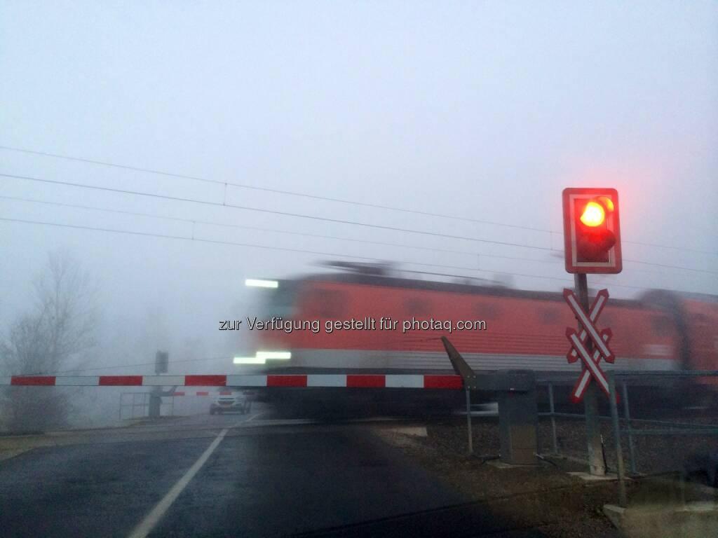Bahnschranken, Zug, © Martina Draper (10.01.2014)