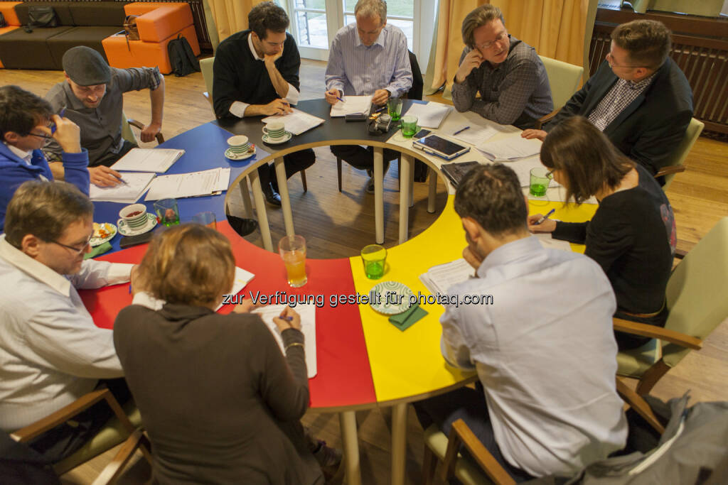 Lukoil-Kreativmeeting mit Lisi Mayer-Liebel (DT Trend), Mario Kraussler (Tripenta), Susanne Trhal (Team Sisu), Paul Blažek (cyLedge Media), Sirius Alexander Pansi (Falstaff), Thomas Erkinger (Eoss Industries Holding), Daniela Grüneis (DT Trend), Andreas Neuherz (neo-lernhilfen.at), Christian Drastil (boerse-social.com), Martin Wohlmuth (Synercon Finanz- & Unternehmensberatung), Rinaldo Wurglitsch (IQ Soft), © Tripenta / Peinhaupt (13.01.2014)