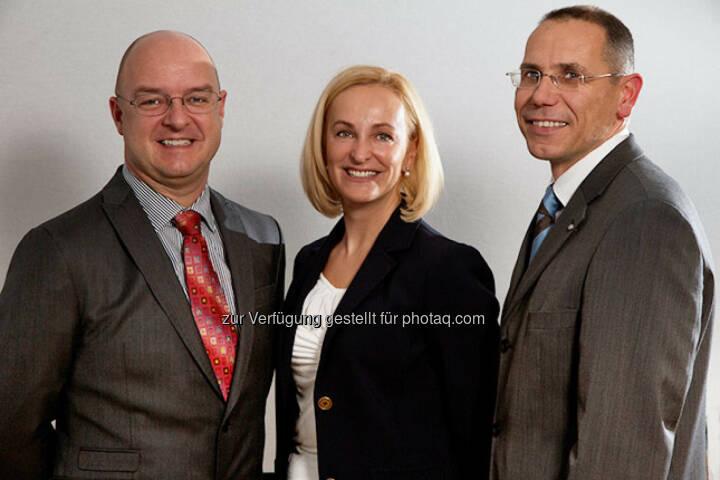 Die Finanzvorständin der in Frankfurt notierten BioEnergy International AG (BDI), Dagmar Heiden-Gasteiner, verlässt mit Ende Juni das Unternehmen. Wie BDI mitteilte, werden die beiden Vorstandskollegen Markus Dielacher und Edgar Ahn (re). ihre Verträge für eine weitere Periode verlängern.