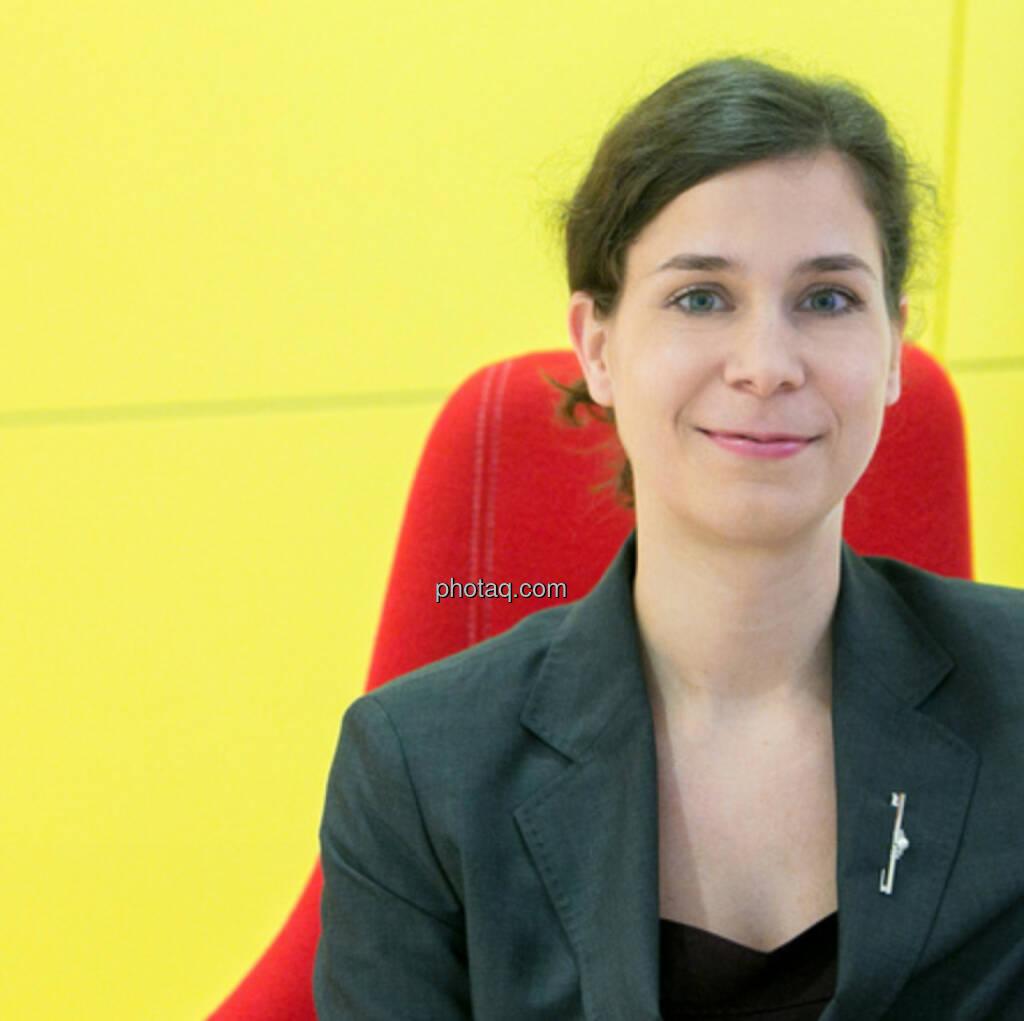 Nora Engel (Deloitte) beantwortet Fragen von Privatanlegern. Siehe http://www.christian-drastil.com/2014/01/14/hallo_privatanleger_in_osterreich_habt_ihr_steuerliche_fragen (14.01.2014)