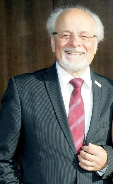 Gottfried Kraft, Finanzmarktexperte (15. Jänner), finanzmarktfoto.at wünscht alles Gute!, © entweder mit freundlicher Genehmigung der Geburtstagskinder von Facebook oder von den jeweils offiziellen Websites  (15.01.2014)