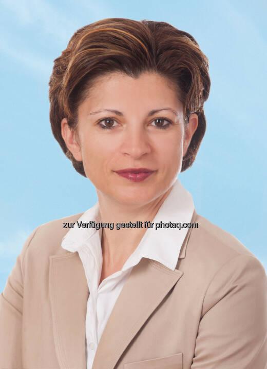 Tatjana Lulevic-Heyny (45) wird als Vice President Sales die Leitung des Verkaufsbereichs der Austrian Airlines Gruppe mit 10.2.2014 übernehmen. Die gelernte Handelswissenschafterin folgt Christina Hackl nach, die das Unternehmen verlassen hat. (Bild: AUA)