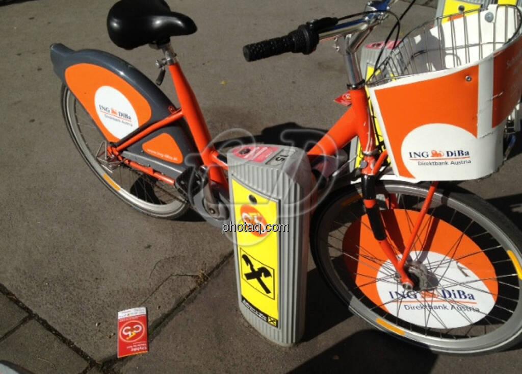 Fahrrad ING DiBa mit Raiffeisen-Ständer (15.12.2012)