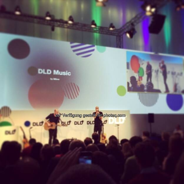 Milow on stage auf der DLD (Digital-Life-Design), © Ali Mahlodji (20.01.2014)