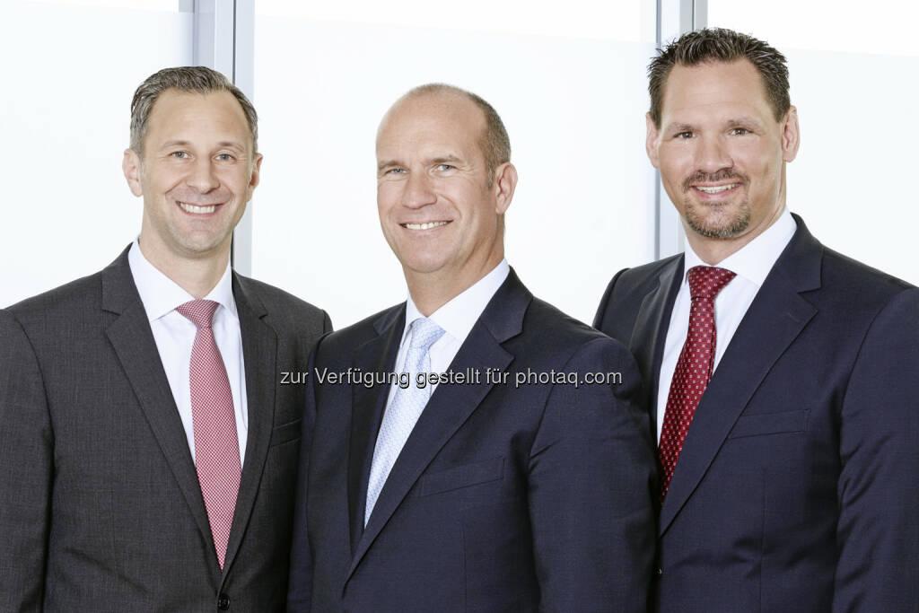 Das Multi-Manager-Finanzhaus PEH begrüßt ein neues Mitglied: Am 1. Februar 2014 wird die PEH Wealth Management GmbH ihre Tätigkeit aufnehmen. An der neu gegründeten GmbH hält die PEH 60%, 40% liegen in den Händen von Gerd Bergner, bislang Leiter der Niederlassung von Sal. Oppenheim in Stuttgart. Mit dabei sind Marc Schaub und Andreas Scharpe, bisher Portfolio-Manager bei Sal. Oppenheim (c) PEH (21.01.2014)