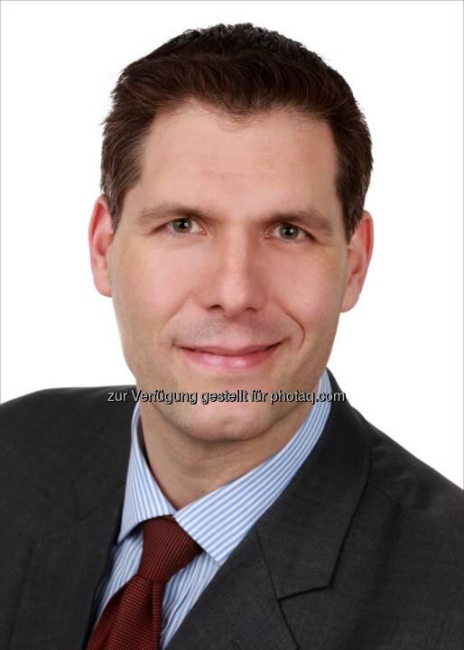 Philipp Lehner wurde Direktor das Münchener Team der ACMBernstein GmbH, einer Vertriebs- und Client-Service Niederlassung von AllianceBernstein Limited. Lehner ist für die Geschäftsentwicklung und das Client Relationship Management mit institutionellen Anlegern in Deutschland und Österreich verantwortlich.  In seiner Tätigkeit wird er eng mit den Portfolio Management Teams der globalen Fixed Income, Equity, Multi-Asset und Alternativen Investment Plattformen zusammenarbeiten. Philipp Lehner berichtet an Martin vom Hagen, Geschäftsführer von ACMBernstein GmbH in Deutschland (c) Aussendung