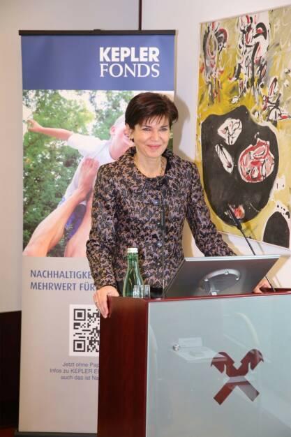Michaela Keplinger-Mitterlehner, Generaldirektor-Stellvertreterin der RLB OÖ, beim 2. Kepler Institutional Day (Foto: Pflügl)  (24.01.2014)
