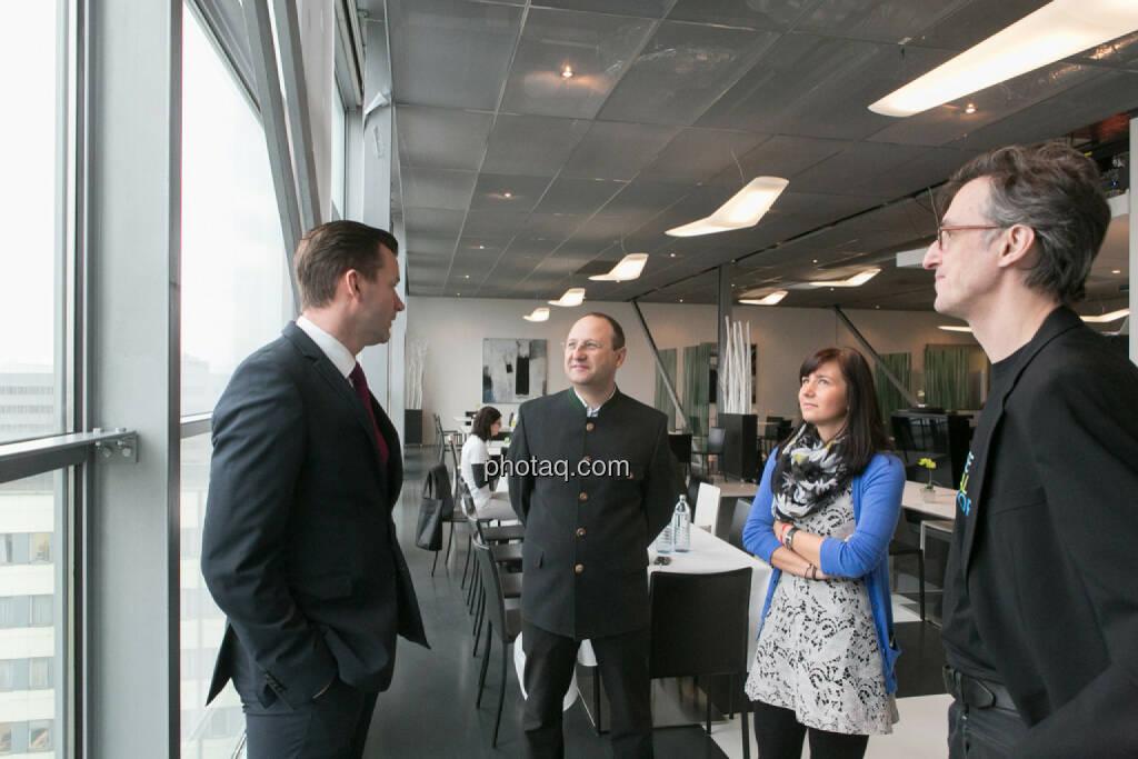 Gerhard Kürner (voestalpine), Paul Rettenbacher (THI), Stephanie Bauer (voestalpine), Josef Chladek, © finanzmarktfoto.at/Martina Draper (24.01.2014)