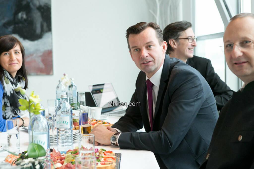 Stephanie Bauer (voestalpine), Josef Chladek, Gerhard Kürner (voestalpine), Paul Rettenbacher (THI), © finanzmarktfoto.at/Martina Draper (24.01.2014)