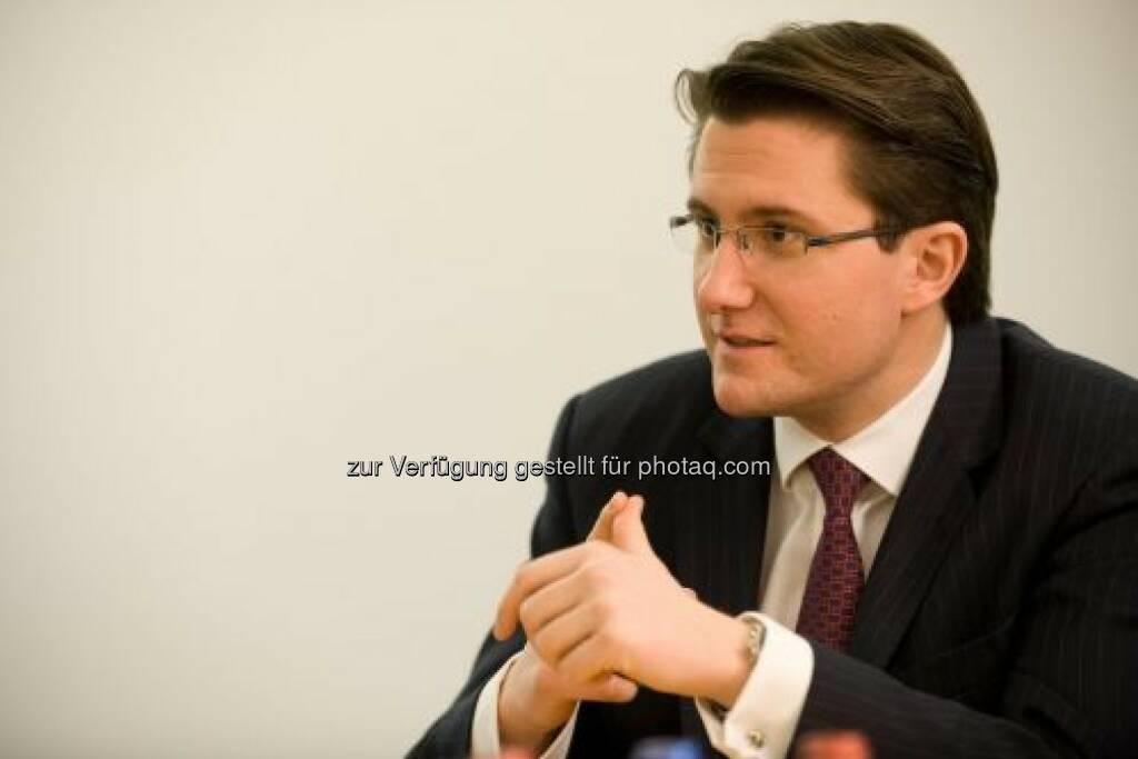 René Parmantier, CEO / Vorstand Markets Close Brothers Seydler Bank AG: Close Brothers wurde zum zweiten Mal in Folge als Best German SME House gewählt. Siehe auch: http://finanzmarktfoto.at/page/index/954/die_close_brothers_seydler_bank_ag_-_diashow#bild_14947  (24.01.2014)