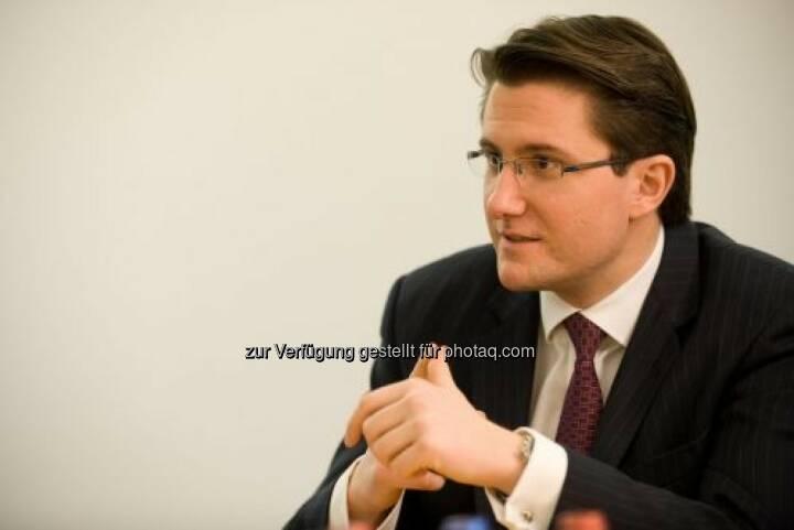René Parmantier, CEO / Vorstand Markets Close Brothers Seydler Bank AG: Close Brothers wurde zum zweiten Mal in Folge als Best German SME House gewählt. Siehe auch: http://finanzmarktfoto.at/page/index/954/die_close_brothers_seydler_bank_ag_-_diashow#bild_14947
