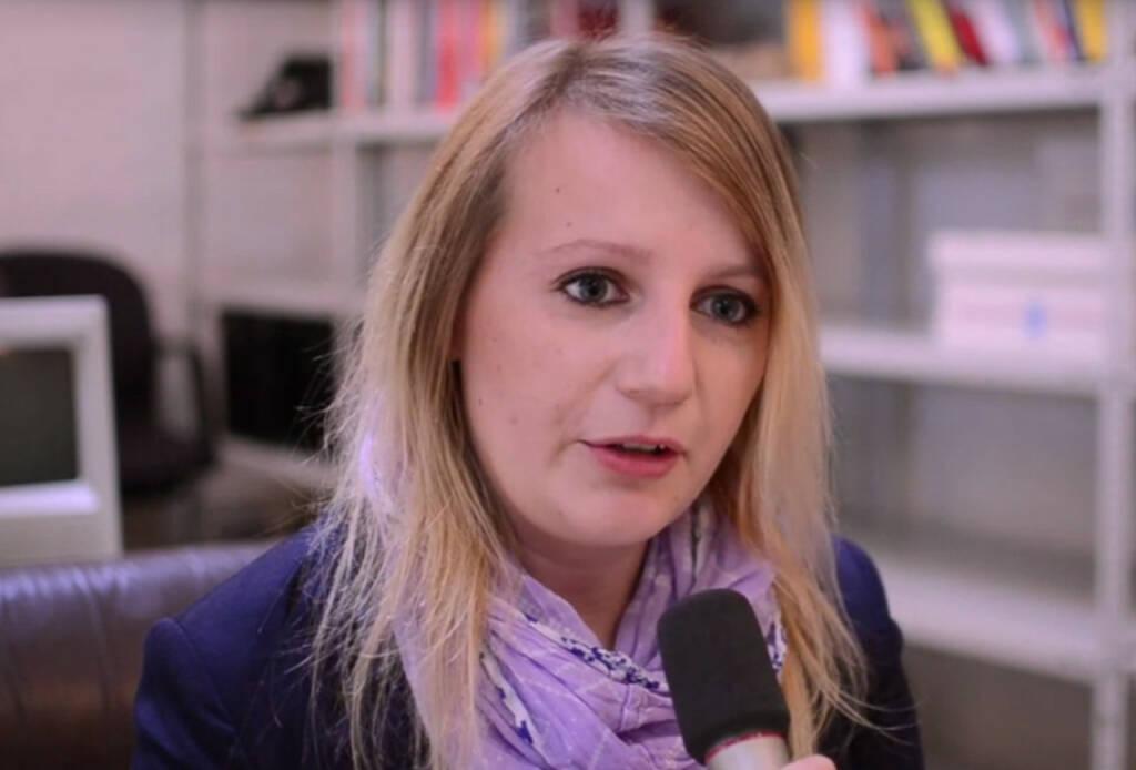 Elisabeth Oberndorfer, freie Journalistin Mein erster Ratschlag: Sei dir selbst am nächsten Das Video (6:56min.) dazu unter: http://www.whatchado.com/de/elisabeth-oberndorfer Siehe auch: http://finanzmarktfoto.at/page/pic/13646/elisabeth_oberndorfer_digitalista, © whatchado (25.01.2014)