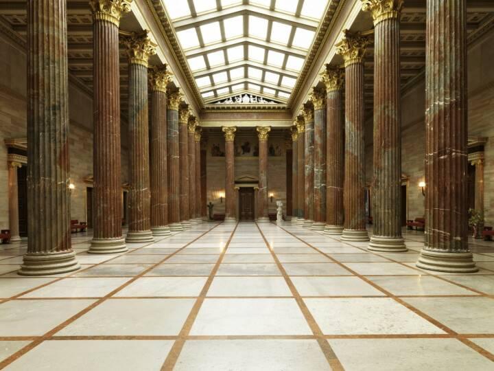 Parlament - Blick durch die Säulenhalle in Richtung Empfangssalon.