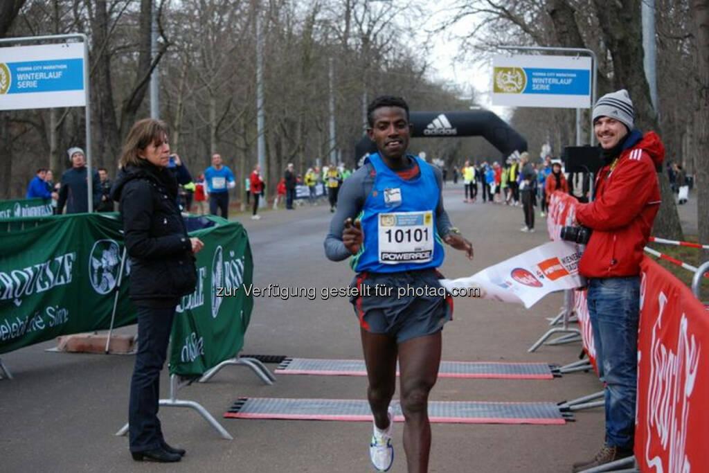 Lemawork Ketema, Sieger Halbmarathon, VCM Winterlauf 1, viele weitere Bilder unter: http://www.maxfun.at/videos/bilder.php?aid=1367 , © maxFun.cc GmbH (26.01.2014)