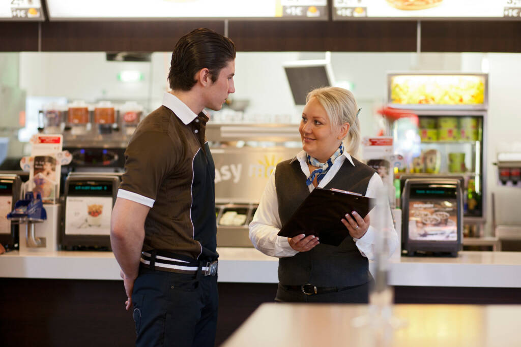 Restaurant Mitarbeiter McDonald's, © McDonald's (Homepage) (26.01.2014)