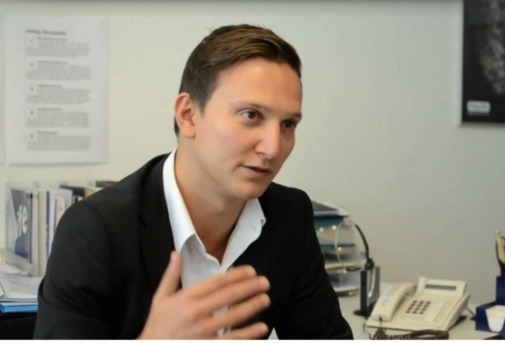 Christoph Nissl, Abteilungsleiter Sicherheit und Risikomanagement, Paylife Ziel ist es, den Gaunern immer einen Schritt voraus zu sein Das Video (6:19min.) dazu unter http://www.whatchado.com/de/christoph-nissl, © whatchado (26.01.2014)