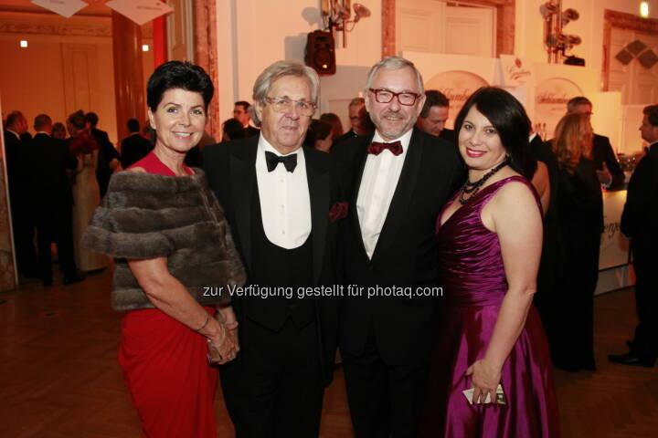 Alfons Metzger und Gattin, Rudolf Schicker und Gattin, Immobilienball 2014 (Foto: epmedia)