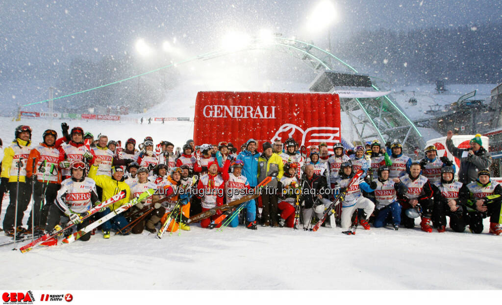 Sporthilfe Charity Race. Bild zeigt Teilnehmer und das Skygate. Foto: GEPA pictures/ Harald Steiner, © GEPA/Sporthilfe (27.01.2014)