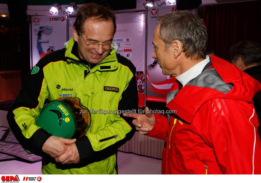 Sporthilfe Charity Race. Bild zeigt Georg Bliem und Geschaeftsfuehrer Anton Schutti (Sporthilfe). Foto: GEPA pictures/ Harald Steiner, © GEPA/Sporthilfe (27.01.2014)