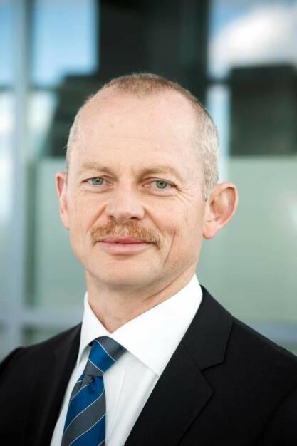Peter Bauer, Vorsitzender des Aufsichtsrats der Osram Licht AG sowie der Osram GmbH, (c) 2012 Thomas Dashuber, © Osram Licht AG (Homepage) (29.01.2014)
