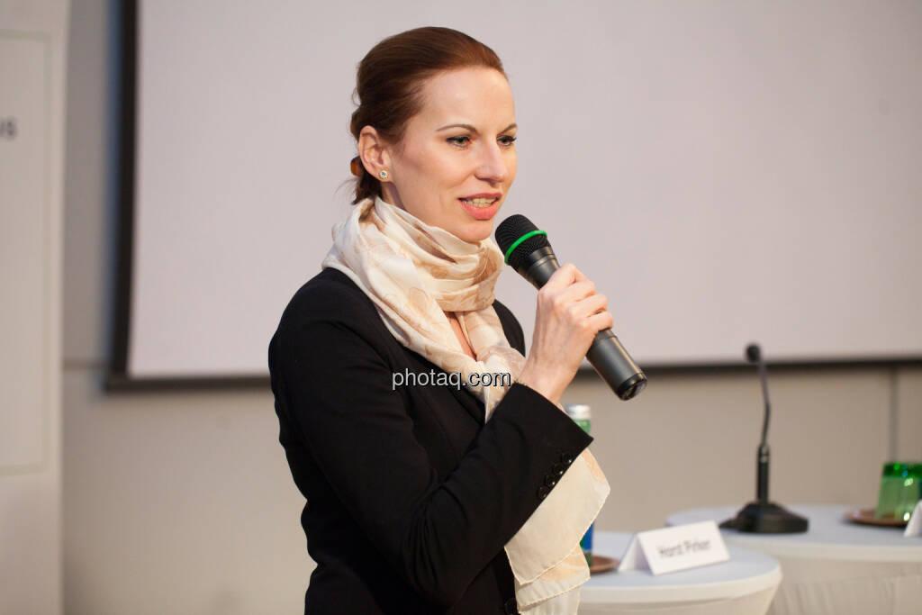 Michaela Huber, Kommunikationschefin OMV, © Michaela Mejta für finanzmarktfoto.at (30.01.2014)