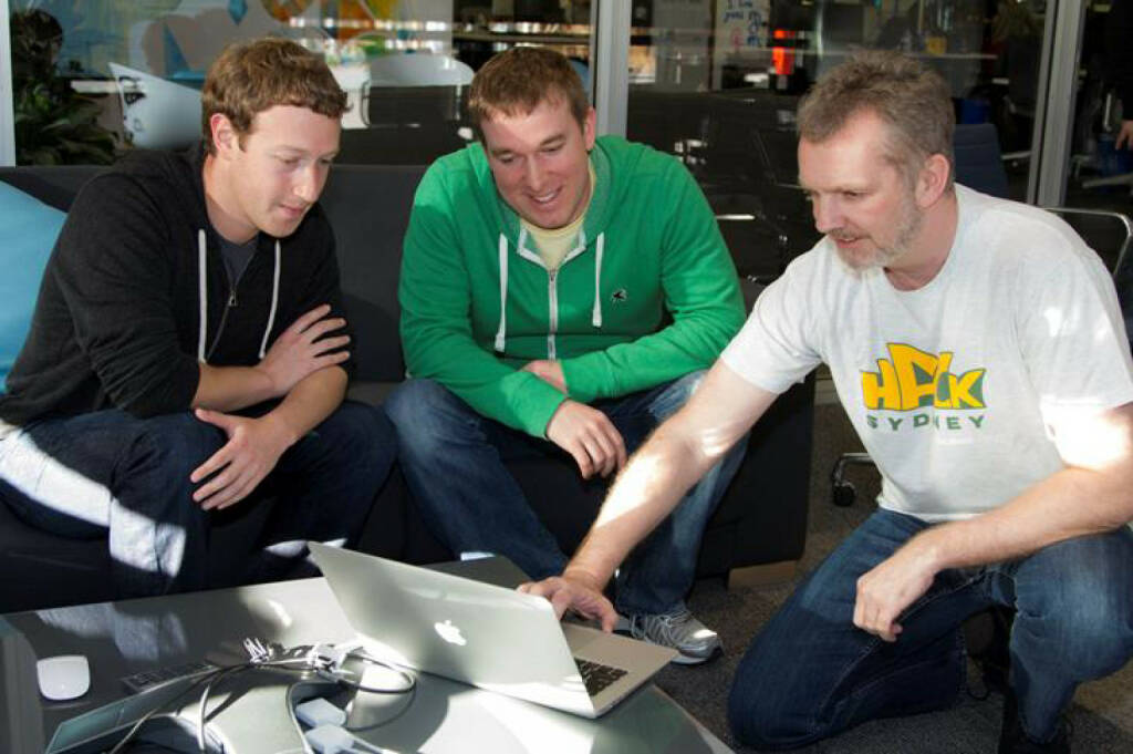 Mark Zuckerberg working with the creators of Graph Search, © facebook (homepage) (31.01.2014)