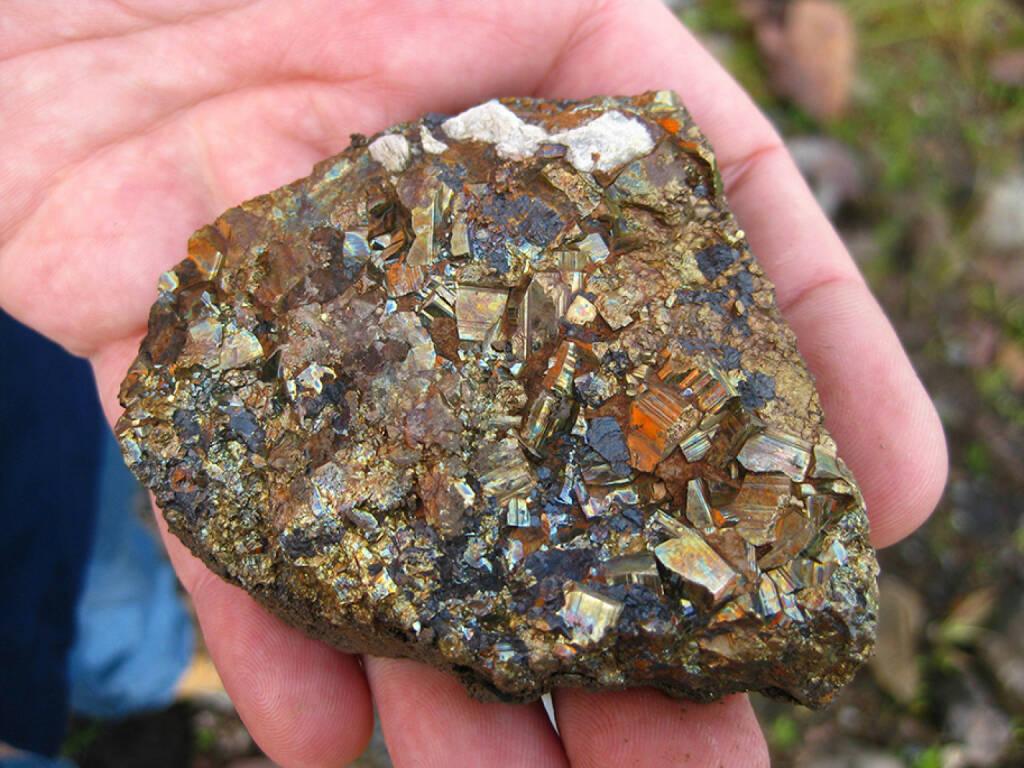 Pargera Gold Mine, Papua Neu Guinea, Gesteinsbrocken mit Gold, © Barrick Gold Corporation (homepage) (03.02.2014)
