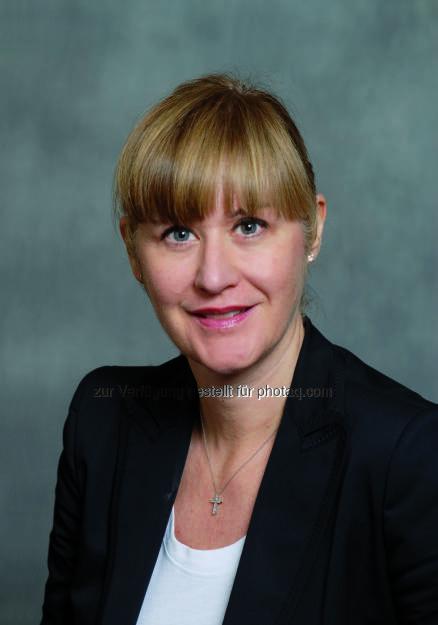 Barbara Rupf Bee wird Vertriebsleiterin für die Region EMEA bei Deutsche Asset & Wealth Management.  Rupf Bee übernimmt die Leitung des Kundenbetreuungs-Teams, das institutionellen Anlegern und Privatkunden in Europa, dem Nahen Osten und Afrika (EMEA) Zugang zu Produkten und Dienstleistungen von DeAWM bietet. Sie wird zudem Mitglied der Executive Committees der Region EMEA und der Global Client Group (c) Aussendung (03.02.2014)