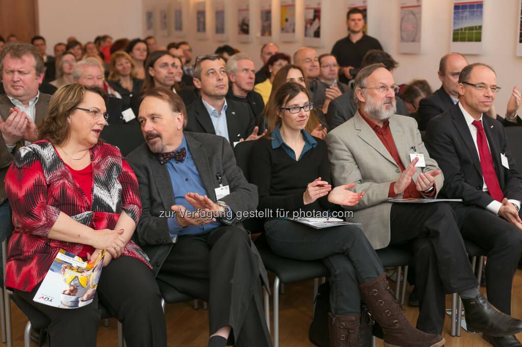 Bernhard Heinzlmaier gab im TÜV Austria Forum in Wien seinen Vortrag Jugend und Sicherheit, © TÜV Austria/APA-Fotoservice/Schedl (03.02.2014)