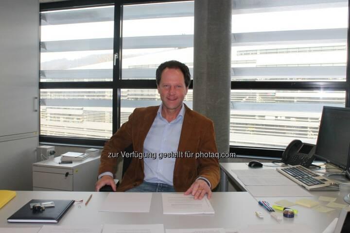 Gerhard Larche forscht am Institut für Finanzmathematik der Johannes Kepler Universität (JKU) Linz  mit seinem Team an hochkomplexen Fragestellungen der mathematische Wahrscheinlichkeitstheorie. Die Anwendungsbereiche reichen von Banken und Versicherungen über Physik bis zu Biologie und Medizin. (C) JKU