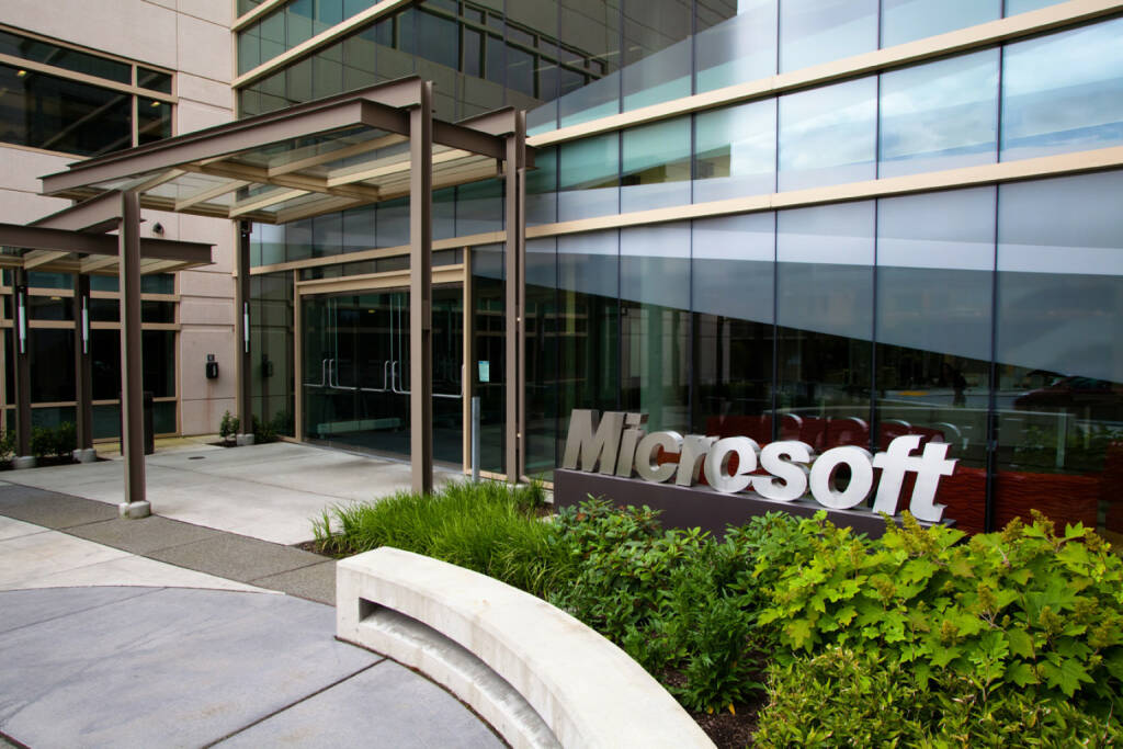 Entrance to Building 99 on the Microsoft Redmond Campus, © Microsoft Corp. (Homepage) (04.02.2014)