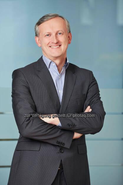 Alexander Deopito, der Vorsitzende der Geschäftsleitung von Lidl Österreich, 100.000 Euro für Licht ins Dunkel (C) Lidl Österreich, © Aussendung (05.02.2014)